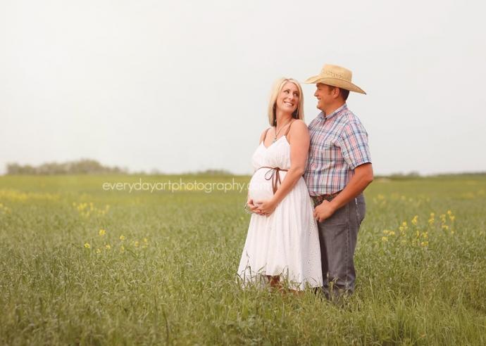 bismarck maternity photographer
